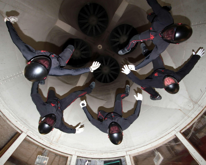 Teamwork 2 - Skydivemag