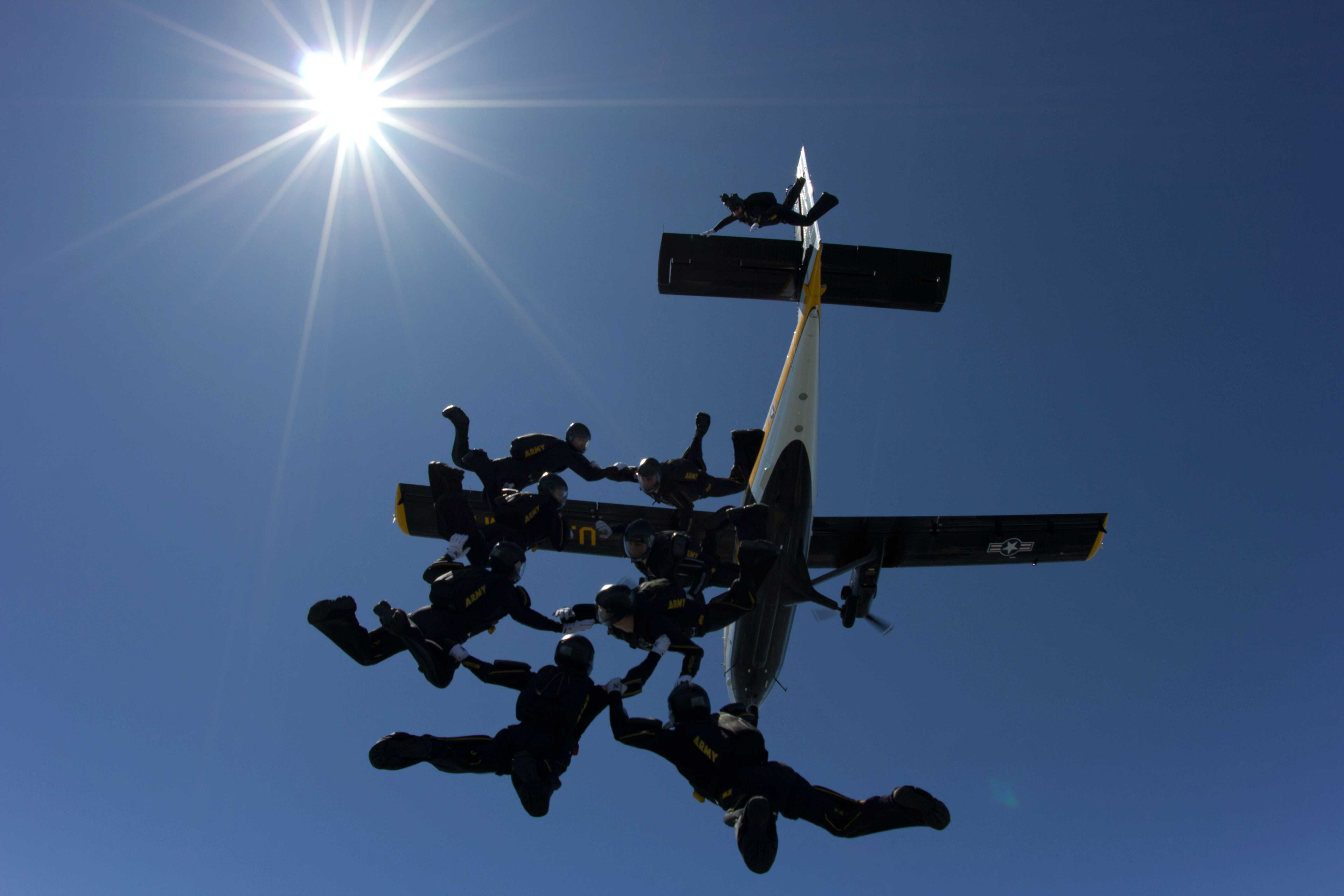 Golden Knights exit their Twin Otter